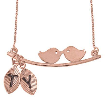 Collar con pájaros de amor y hojas